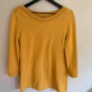 Banana Republic Outlet Size Large Mustard Sweater